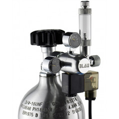 Compact regulator with electronic valve and bubble counter